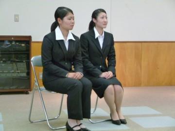 発表した丹羽さん(左)小林さん(右)