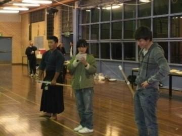 剣道を披露