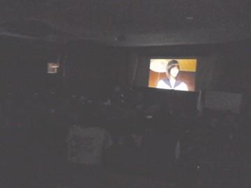 視聴覚教室で人権映画を上映