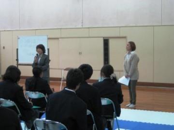 一村先生と榎並さんによる講演