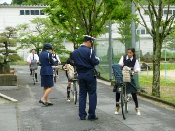 警察による自転車事故抑止広報啓発キャンペーン