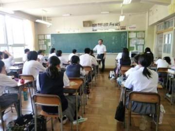 西中学校での特別授業(国語 草木先生)