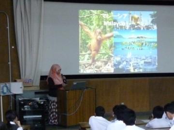 マレーシアからの留学生の説明
