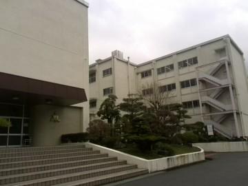 川根高校玄関