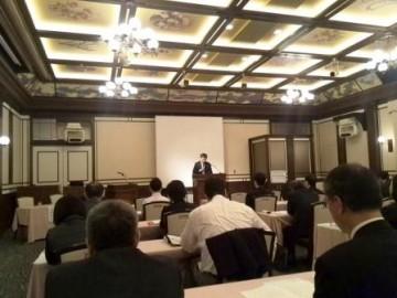 峯本弁護士の講演